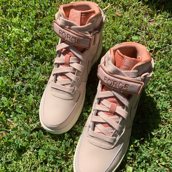 Nike Wmns Air Force 1 High Utility (Particle Beige